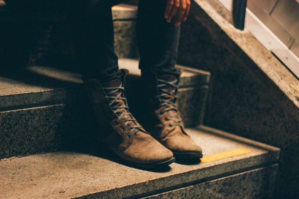 irritating boots squeaking